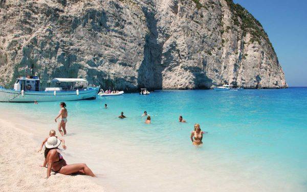 Grecia con Crucero, Santorini y Meteora. Paquetes all inclusive desde Argentina. Financiaciones. Consultas a info@puravidaviajes.com.ar Tel. (11) 5235-6677