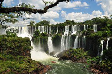 Cataratas Semana Santa. Paquetes all inclusive desde Argentina. Consultas a info@puravidaviajes.com.ar Tel. (11) 5235-6677