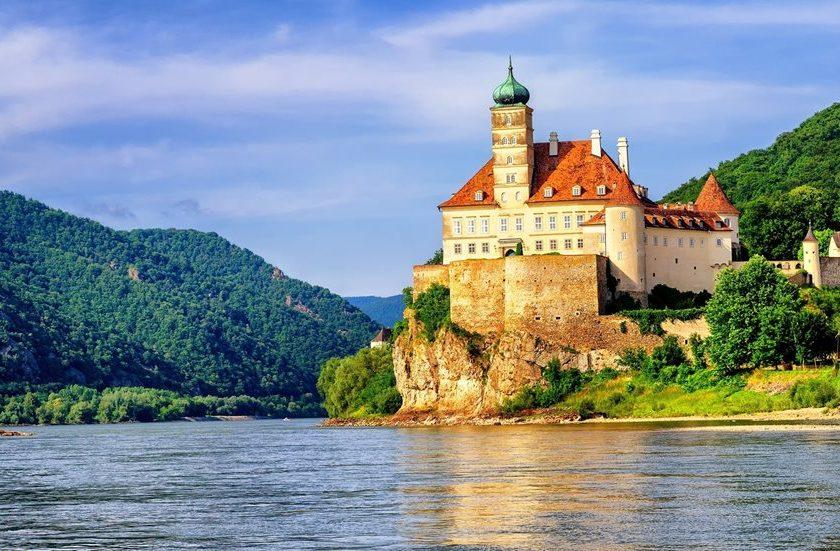 Praga y Encantos del Danubio. Paquetes desde Argentina. Financiaciones. Consultas a info@puravidaviajes.com.ar Tel. (11) 5235-6677