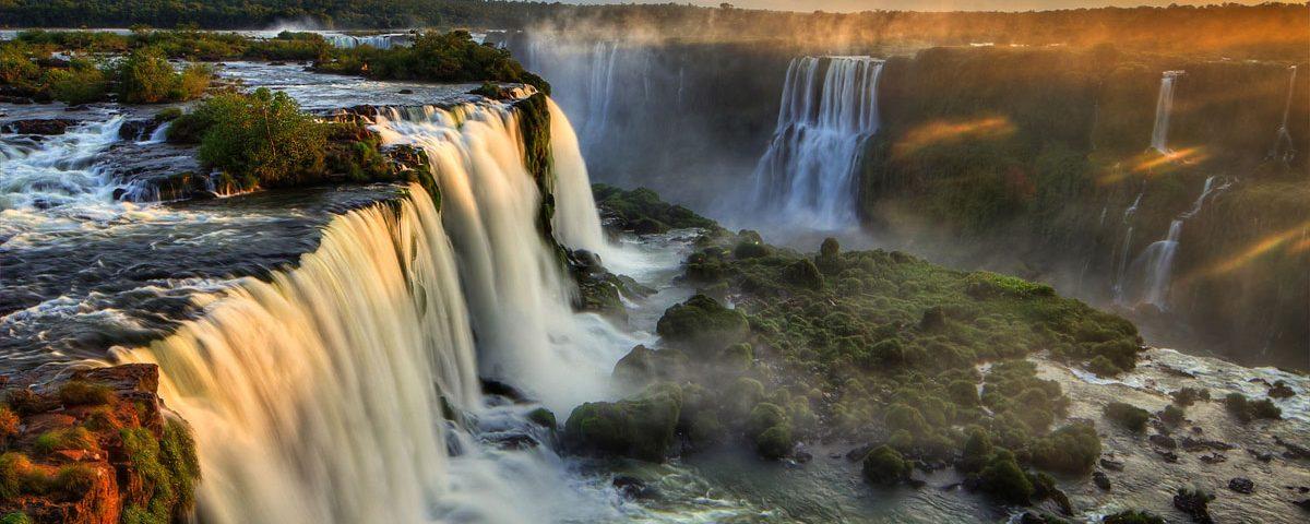 Cataratas del Iguazú. Paquetes all inclusive desde Argentina. Financiaciones. Consultas a info@puravidaviajes.com.ar Tel. (11) 5235-6677.