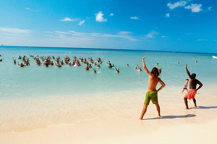 Punta Cana 25 de Mayo. Paquetes all inclusive desde Argentina. Financiaciones. Consultas a info@puravidaviajes.com.ar Tel. (11) 5235-6677.