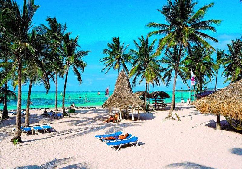 Punta Cana Febrero. Paquetes desde Argentina. Financiaciones. Consultas a info@puravidaviajes.com WhatsApp: 1130803344