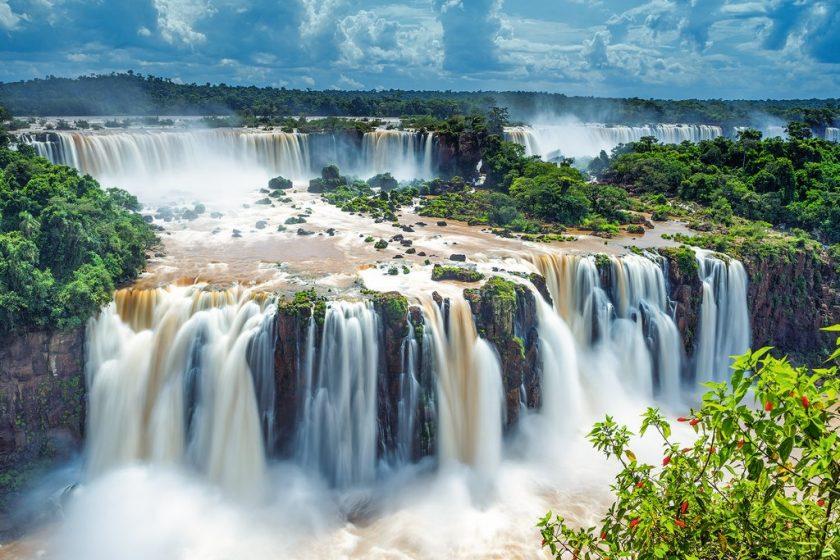 Iguazú Vacaciones. Paquetes desde Argentina. Financiaciones. Consultas a info@puravidaviajes.com WhatsApp: 1130803344