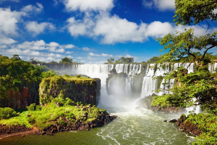 Iguazú 21, 27 y. Paquetes desde Argentina. Financiaciones. Consultas a info@puravidaviajes.com WhatsApp: 1130803344