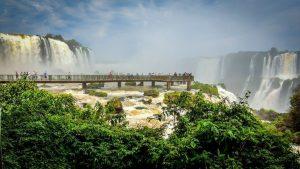Iguazú Octubre y. Paquetes desde Argentina. Financiaciones. Consultas a info@puravidaviajes.com WhatsApp: 1130803344